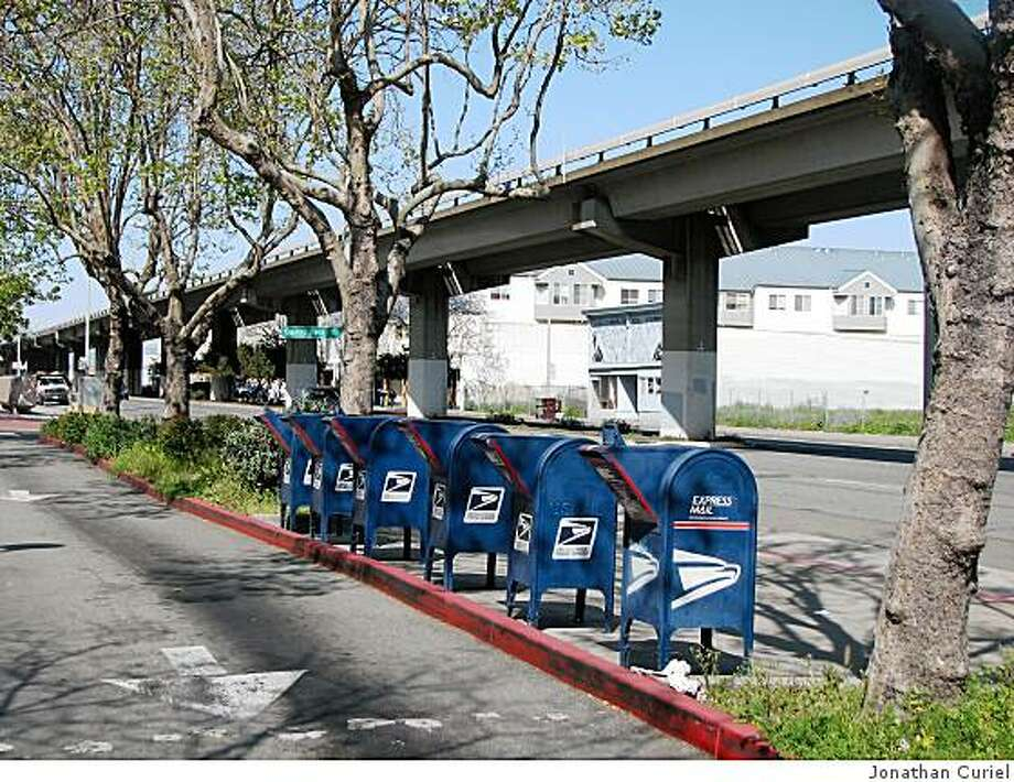 drive-by mail boxes at main post office in west oakland Photo: Jonathan Curiel