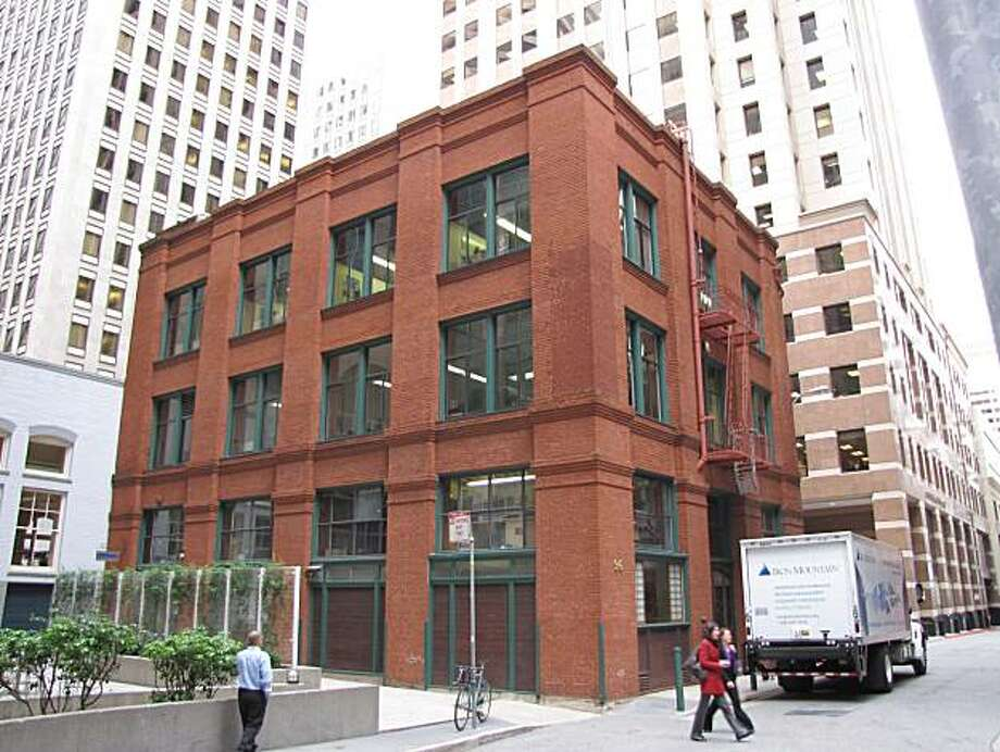 The 1909 warehouse at 96 Jessie St. is a straightforward masonry structure that looks better and stronger with each passing year. Photo: John King