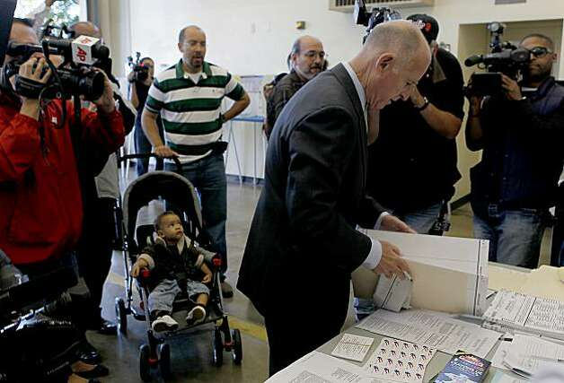 Democratic gubernatorial candidate Jerry Brown gathers his ballot before voting on Tuesday, November 2, 2010 in Oakland, California. Photo: Robert Gauthier, MCT