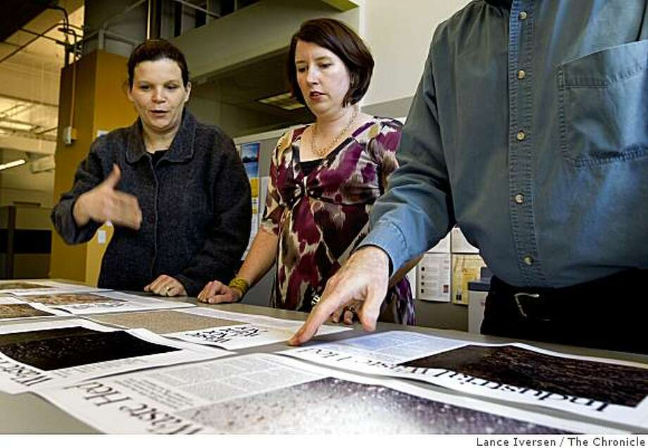 Co Editors-in-chief Monika Bauerlein and Clara Jeffery make a layout decision on an inside story for their next edition of Mother Jones Magazine.  Friday, March 13, 2009 Photo: Lance Iversen, The Chronicle
