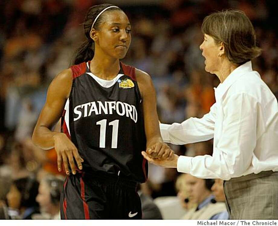 OUt of the game with just over a minute left in the game, Stanford's Candice Wiggins, with Stanford Head coach Tara VanDerveer. Stanford Cardinals battle the Lady Volunteers of Tennessee in the Women's NCAA  Championship game, on April 8, 2008 in Tampa, Floirda.Photo by  Michael Macor/ San Francisco Chronicle Photo: Michael Macor, The Chronicle