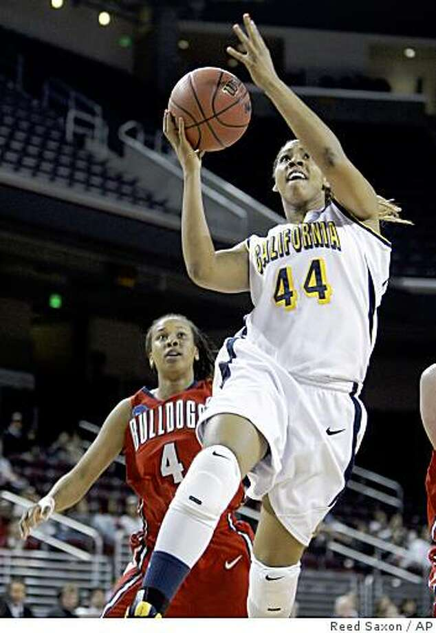 California forward/center Ashely Walker (44) goes for a basket past Fresno State guard Jalessa Ross (4) in the first half of an NCAA first-round women's basketball tournament game in Los Angeles, Saturday, March 21, 2009. (AP Photo/Reed Saxon) Photo: Reed Saxon, AP