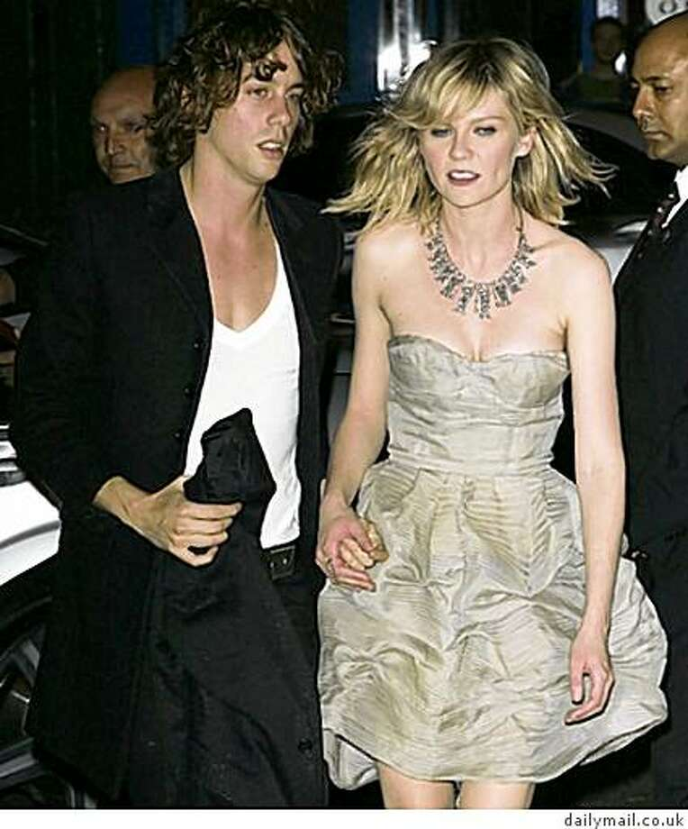 Johnny Borrell and Kirsten Dunst. Photo: Dailymail.co.uk