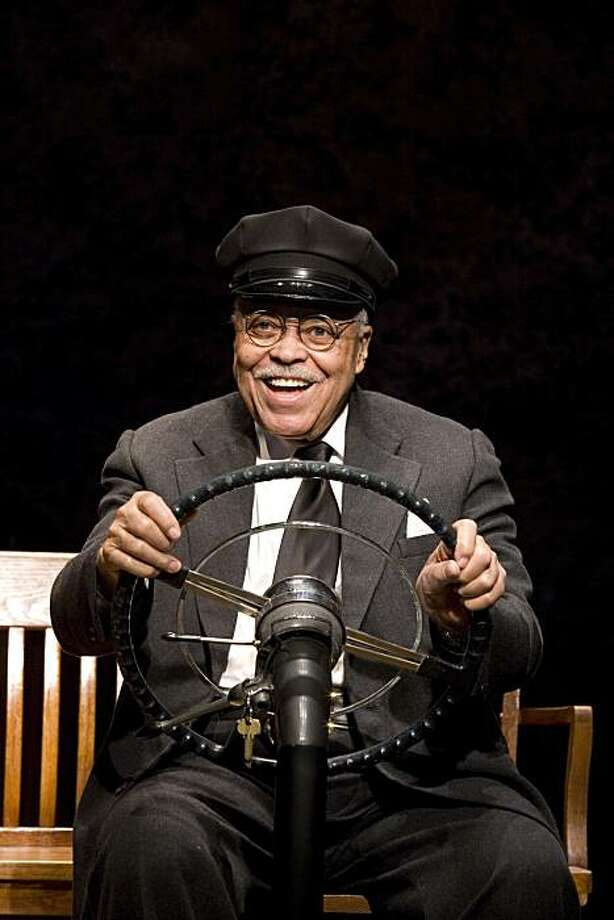 """** CORRECTS BYLINE TO ANNABEL CLARK ** An undated photo provided by The O and M Co. shows James Earl Jones in the Broadway premiere of Alfred Uhry's Pulitzer Prize winning """"Driving Miss Daisy"""", now in performances at The Golden Theater (252 W. 45th Street). Photo: Annabel Clark, AP"""
