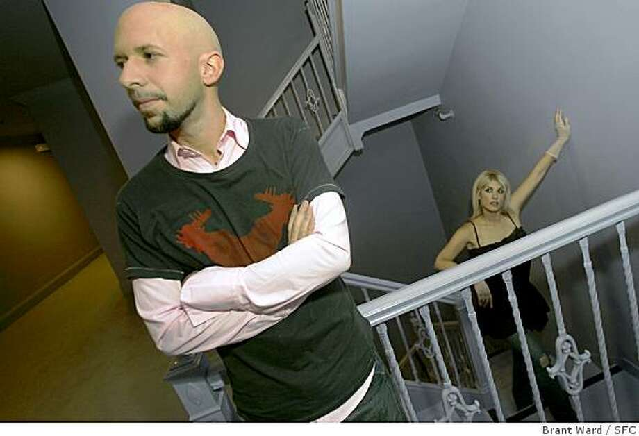 """single648_ward.jpg Neil Strauss has written a book about the singles game called """"The Game."""" In it he details the schooling some men go through in the """"art of seduction."""" He himself was a rather shy man, who has used this expertise to meet many attractive women like his girlfriend Lisa Leveridge, pictured, who is also a guitarist with Courtney Love's band. Brant Ward 9/13/05 Photo: Brant Ward, SFC"""