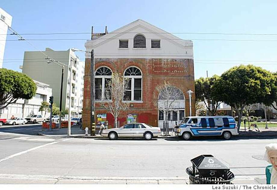 A MUNI substation (center),  a historic building, at Turk and Fillmore has plans to be renovated in San Francisco, Calif. on Wednesday, March 11, 2009. Photo: Lea Suzuki, The Chronicle