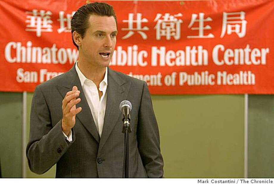 FILE - Mayor Gavin Newsom announces that 1,000 people have signed up for the city's universal health care program, called Healthy San Francisco, since its inception at a press conference in San Francisco, Calif., on August 16, 2007. Photo: Mark Costantini, The Chronicle