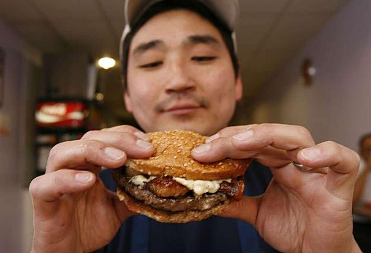 Pearl's Deluxe Burgers