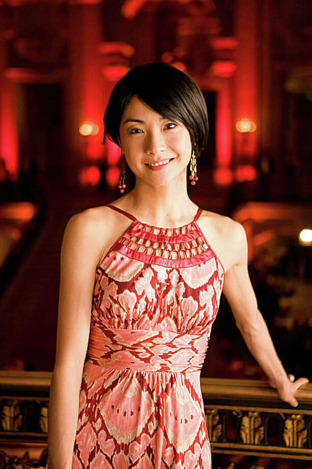 Yuan Yuan Tan (Principal Dancer of the SF Ballet)  _RW_7840a.jpg  Event : San Francisco Ballet Opening Night Gala Event Date : 1/21/09 Author : Drew Altizer Location : City Hall City : San Francisco State : CA Caption : Yuan Yuan Tan (Principal Dancer of the SF Ballet) Photo: Drew Altizer