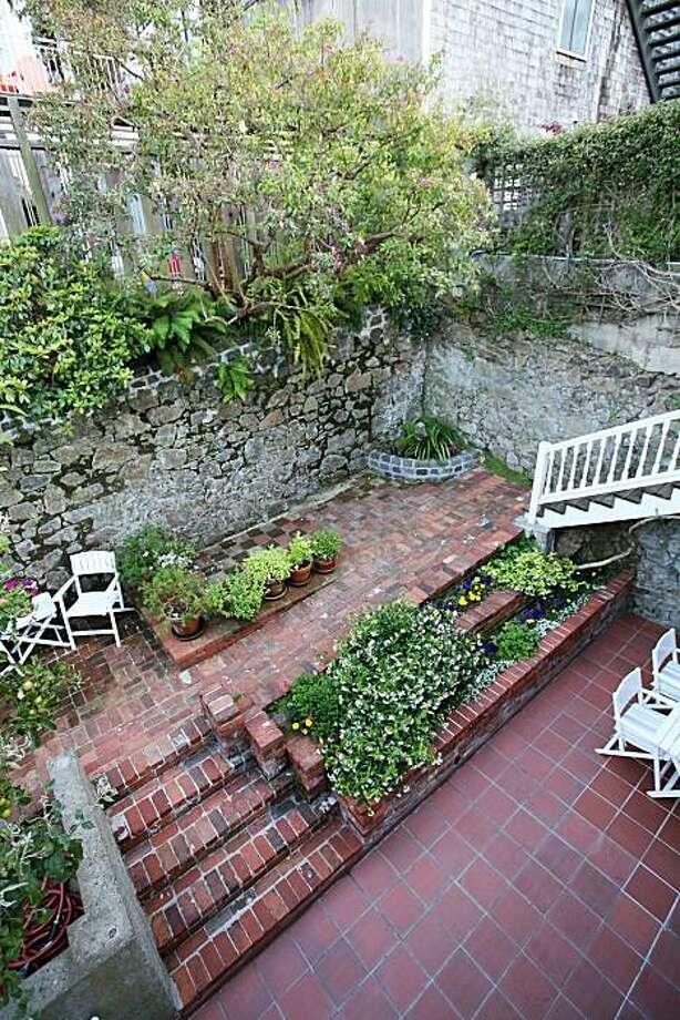 The garden/patio area at 31 Alta in San Francisco for the real estate cover. Photo: Jean Pedigo