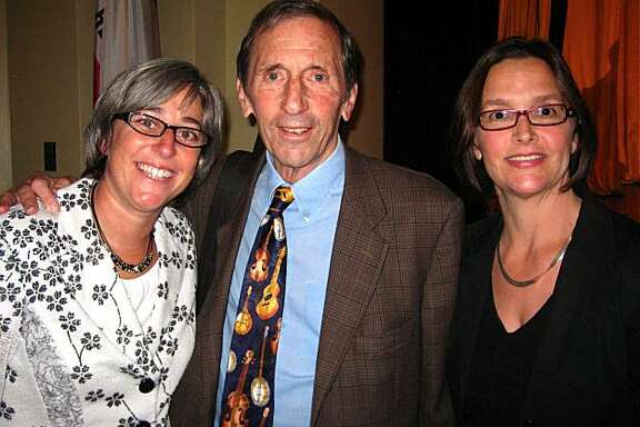 Gateway Principal Sharon Olken (left) with Warren Hellman and Frances Dinkelspiel at the Matters of Mind Luncheon. October 2010. By Catherine Bigelow.