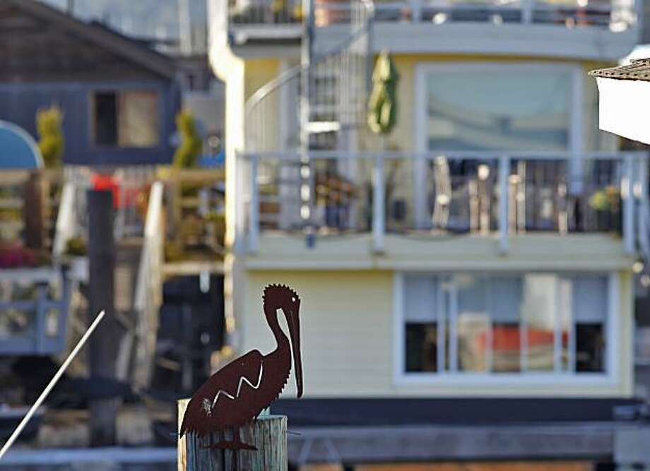 Residents decorate their houseboats along the waterfront, at the Waldo Point Pier,  Sunday Sept. 27, 2010, in Sausalito, Calif. Photo: Lacy Atkins, The Chronicle