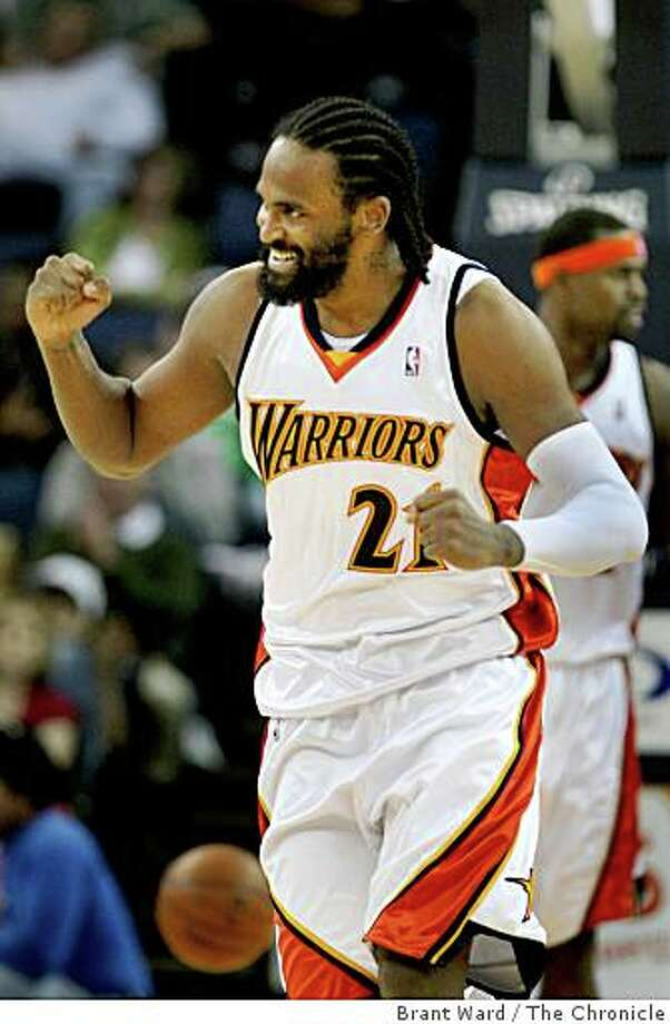 Warriors Ronny Turiaf celebrates during the second half of a game against the Wizards on Monday January 19, 2009 in Oakland. Photo: Brant Ward, The Chronicle