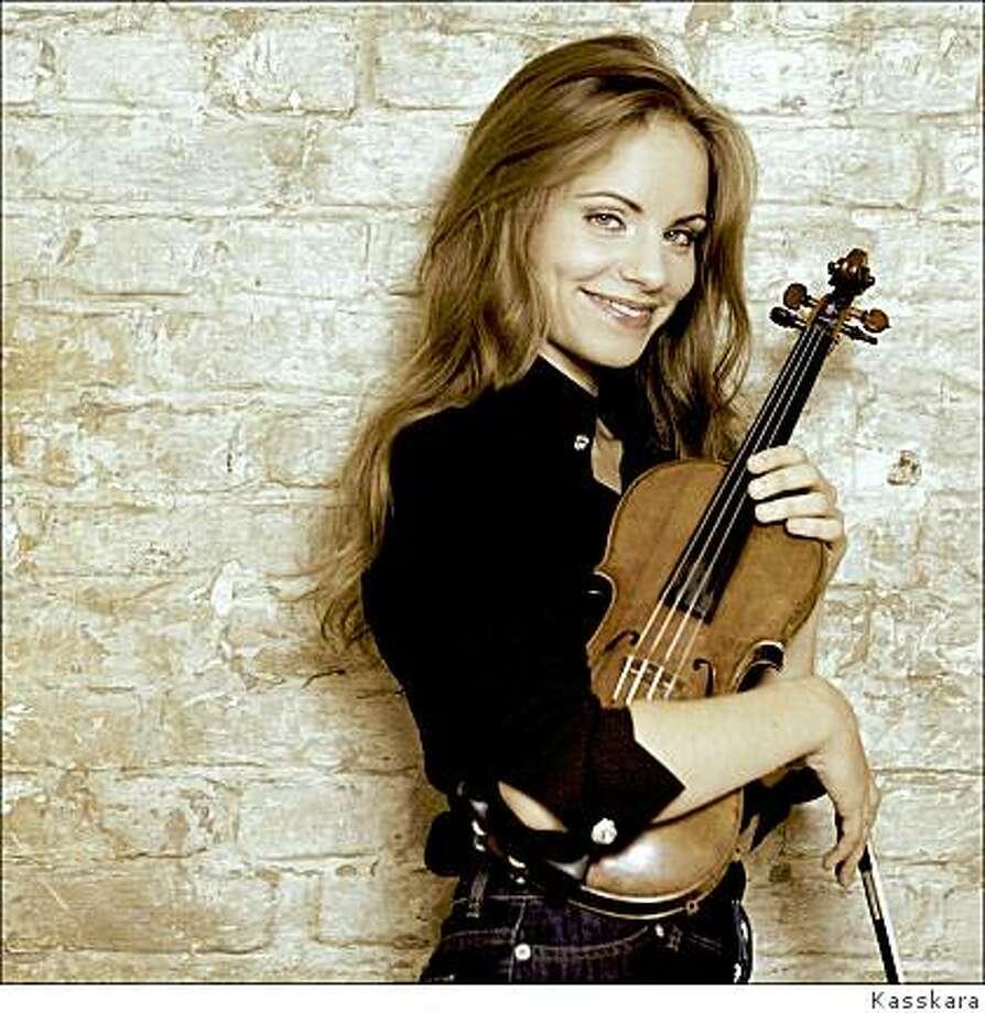 Violinist Julia Fischer Photo: Kasskara