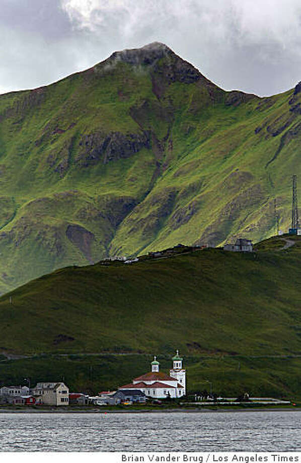 DUTCHHARBOR: The busy seaport in Alaska's Aleutian Islands, pictured in September, provides plenty of material for the Unalaska police report. Illustrates DUTCHHARBOR (category a) by Kim Murphy (c) 2009, Los Angeles Times. Moved Friday, Feb. 5, 2009. (MUST CREDIT: Los Angeles Times photo by Brian Vander Brug.) The busy seaport in Alaska's Aleutian Islands, pictured in September, provides plenty of material for the Unalaska police report. Illustrates DUTCHHARBOR (category a) by Kim Murphy (c) 2009, Los Angeles Times. Moved Friday, Feb. 5, 2009. (MUST CREDIT: Los Angeles Times photo by Brian Vander Brug.) Photo: Brian Vander Brug, Los Angeles Times