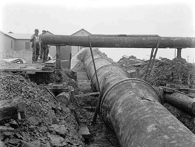 1936 construction of Bay Division Pipeline #1, one of the two original pipelines to be replaced by the new Bay Tunnel. Photo: S.F. Public Utilities Commission