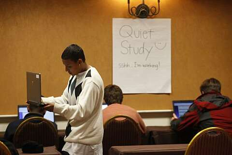 Kids show up for online classes at high school - SFGate