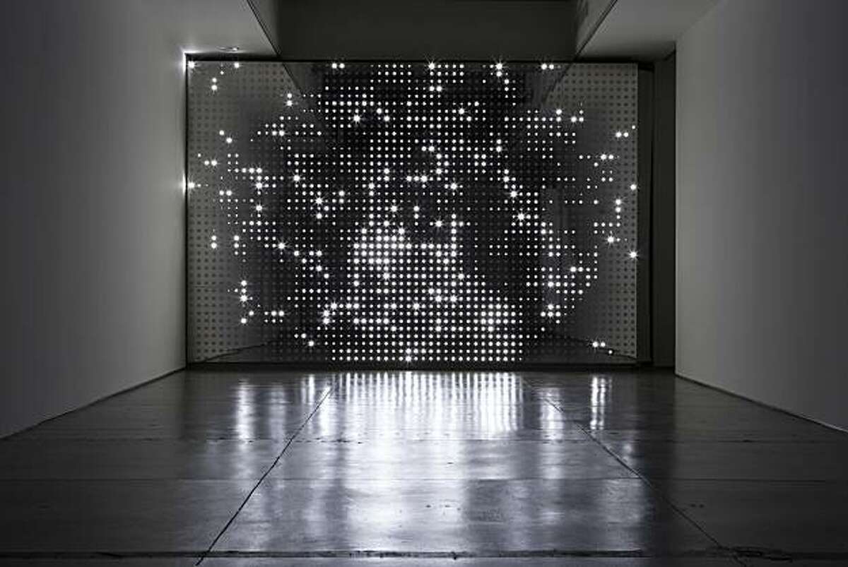 """""""Diamond Sea"""" (2007) LEDs, mirror finish stainless steel, custom software and electronics by Leo Villareal"""