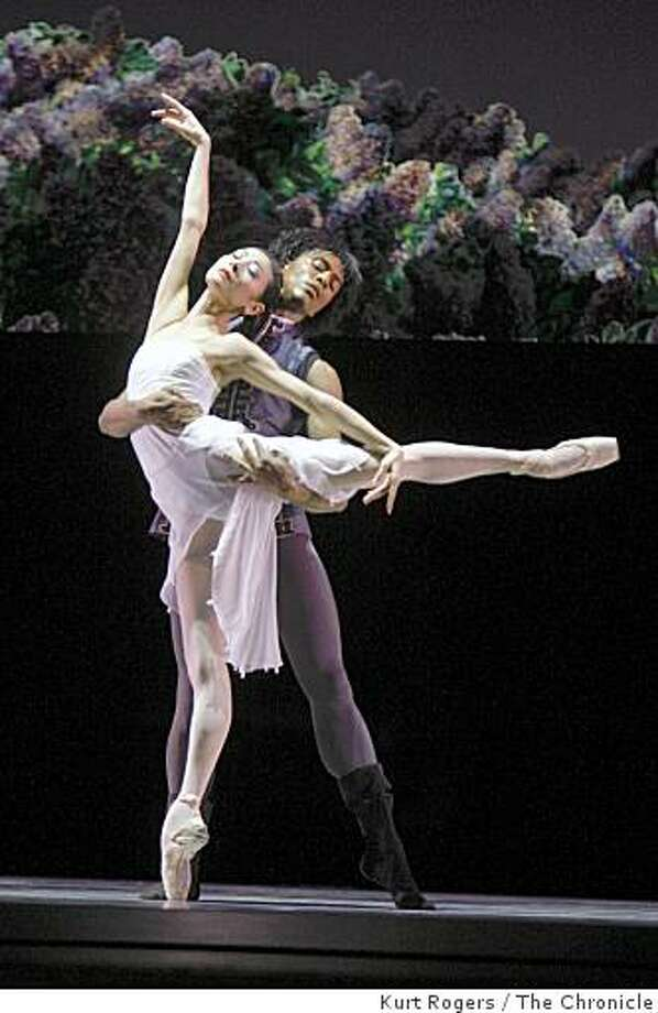 Yuan Yuan Tan and Anthony Spaulding dance Diving into the Lilacs 3rdt Movement in a dress rehearsal of Program 1at the War Memorial Opera House on Tuesday Jan 27,  2009 in San Francisco , Calif Photo: Kurt Rogers, The Chronicle