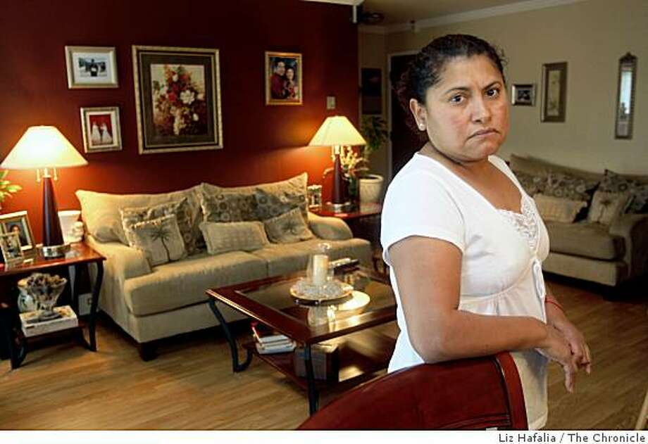 Ana Rodriguez in her condo in San Mateo, Calif., on Tuesday, January 27, 2009. Photo: Liz Hafalia, The Chronicle