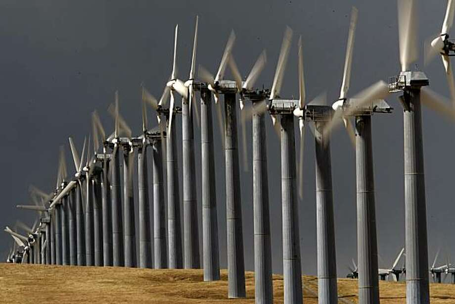 Wind generators along Mountain House Road, near Livermore, Calif. on Tuesday April 14, 2009. Altamont Pass is home to one of the largest wind farms in the country. Photo: Michael Macor, The Chronicle