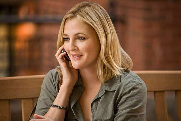 "DREW BARRYMORE as Erin in New Line Cinema's romantic comedy ""GOING THE DISTANCE,"" a Warner Bros. Pictures release. Photo: Jessica Miglio, Warner Bros. Pictures"
