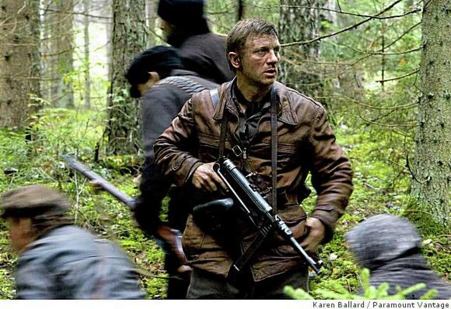Daniel Craig as ?Tuvia Bielski? stars in DEFIANCE, a Paramount Vantage release. Photo: Karen Ballard, Paramount Vantage