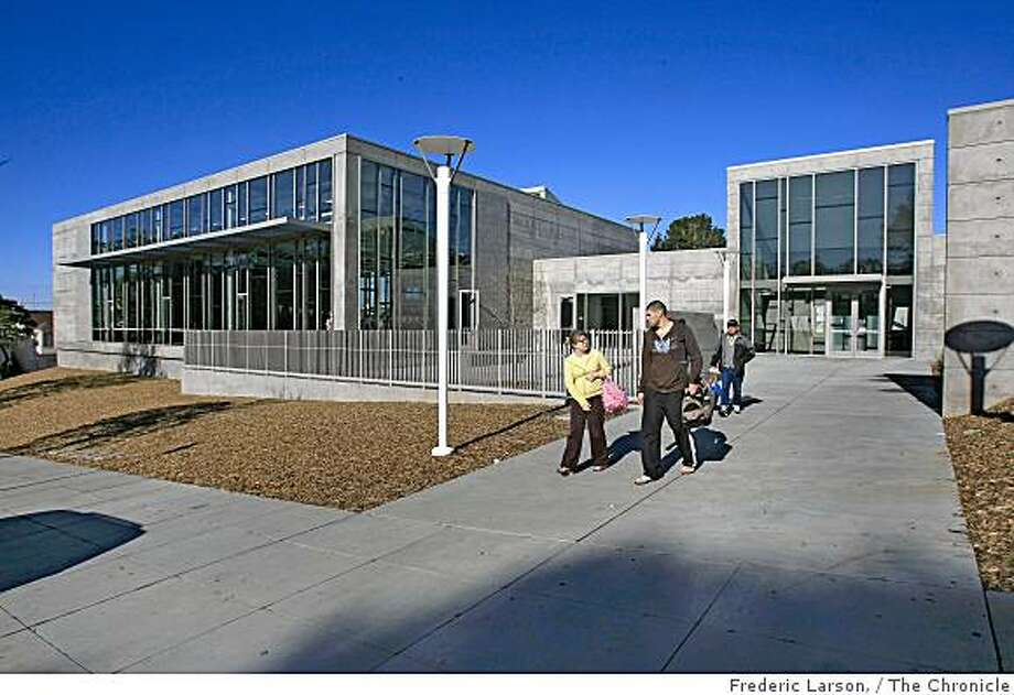 Charlie Sava Pool facility in the Sunset District of San Francisco, Calif., taken on January 9, 2008. Photo: Frederic Larson,, The Chronicle