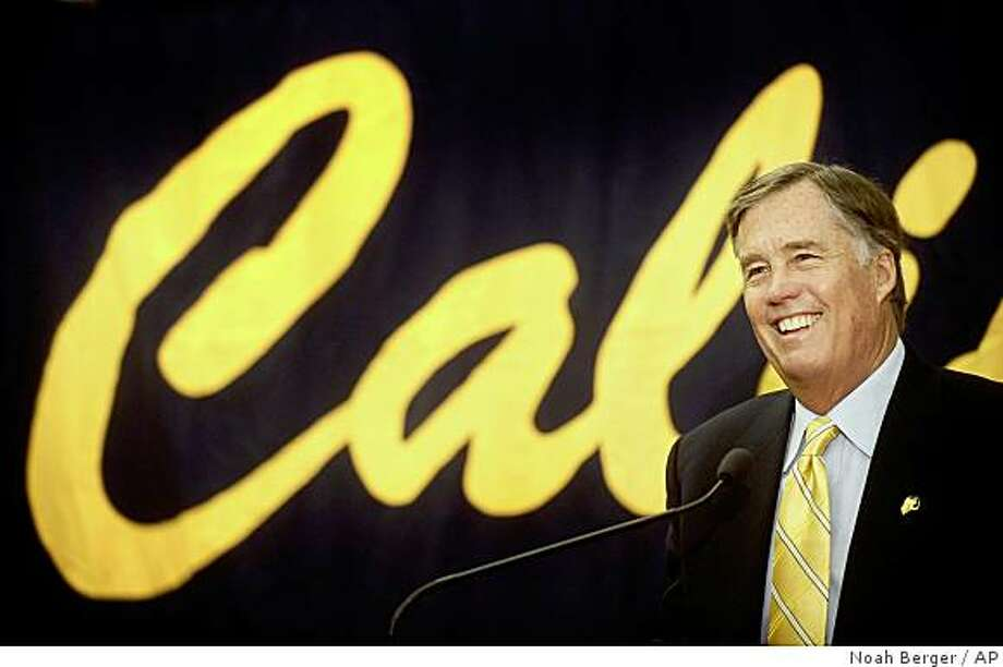 Mike Montgomery speaks at a press conference shortly after being named Californias mens basketball coach, on Saturday, April 5, 2008, in Berkeley, Calif. (AP Photo/Noah Berger) Photo: Noah Berger, AP