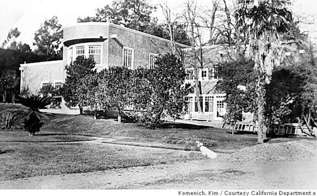 This undated photo shows the former Burdell Mansion. Before it burned on Feb. 2, 1969, the mansion was a hippie scene which housed, among others, the members of the Grateful Dead and Janis Joplin. Photo: Komenich, Kim, Courtesy California Department O