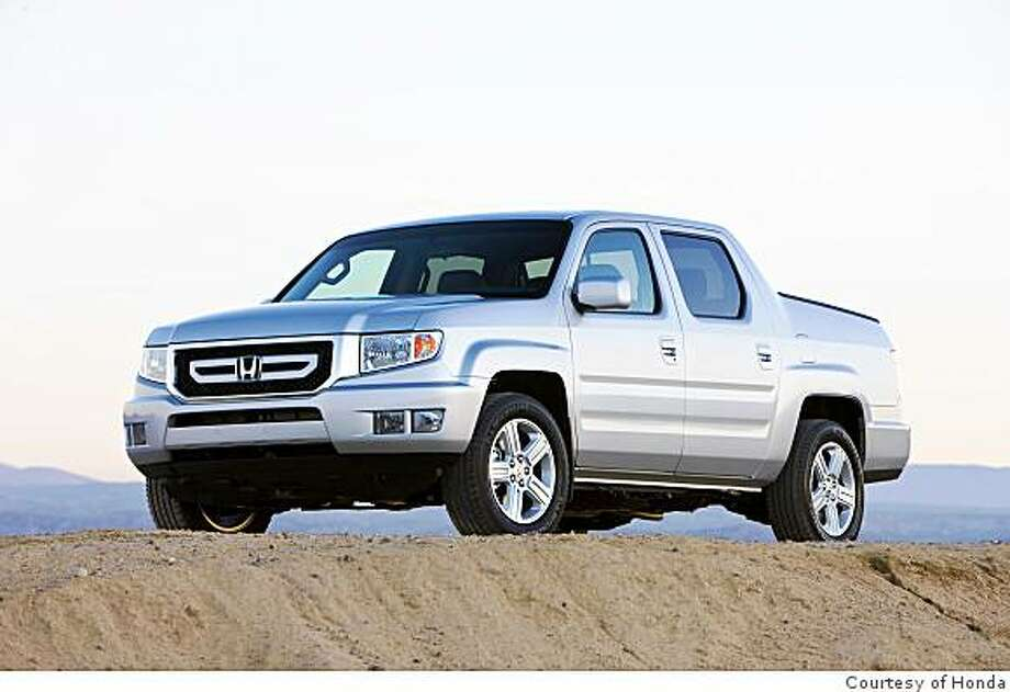 2009 Honda Ridgeline RTL with NAVI Photo: Courtesy Of Honda