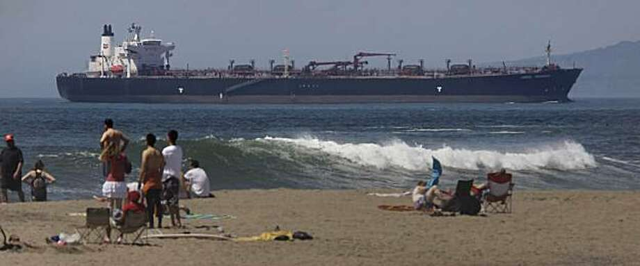 A ship travels on the ocean off of Ocean Beach in San Francisco, Calif. on Tuesday August 23, 2010.A ship travels on the ocean off of Ocean Beach in San Francisco, Calif. on Tuesday August 24, 2010. Photo: Lea Suzuki, The Chronicle