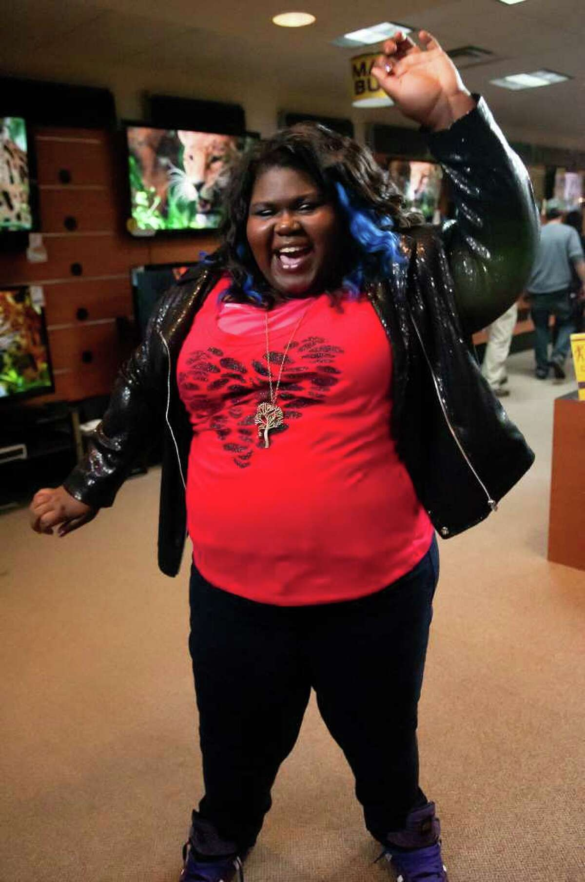 """Gabourey Sidibe as Andrea in Showtime's """"The Big C."""" Sidibe and co-star John Benjamin Hickey were seen shooting an episode of """"The Big C"""" at La Bretagne Restaurant in Stamford Feb. 2. (Photo: Ken Regan/SHOWTIME)"""