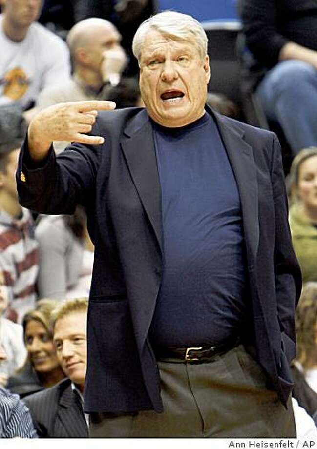 Golden State Warriors head coach Don Nelson gestures to his players during the third quarter of a game against the Minnesota Timberwolves in Minneapolis, Friday, Jan. 2, 2009. The Timberwolves beat the Warriors 115-108. Photo: Ann Heisenfelt, AP