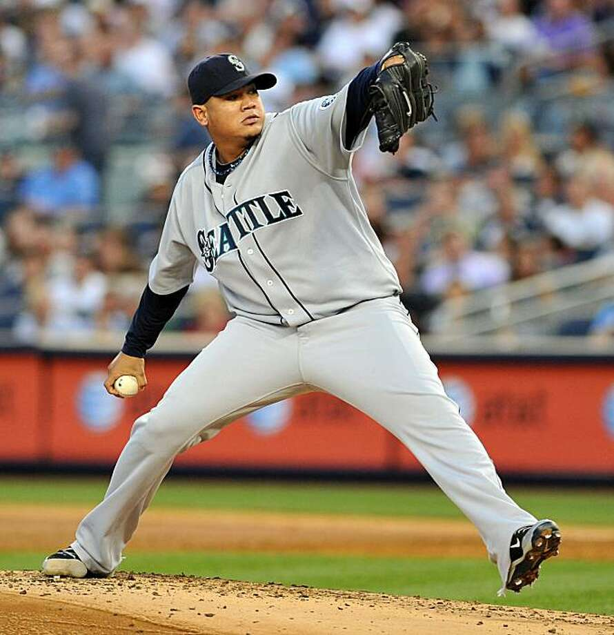 Seattle Mariners starting pitcher Felix Hernandez throws against the New York Yankees in the first inning at Yankee Stadium in New York on Friday, August 20, 2010. (Christopher Pasatieri/Newsday/MCT) Photo: Christopher Pasatieri, MCT