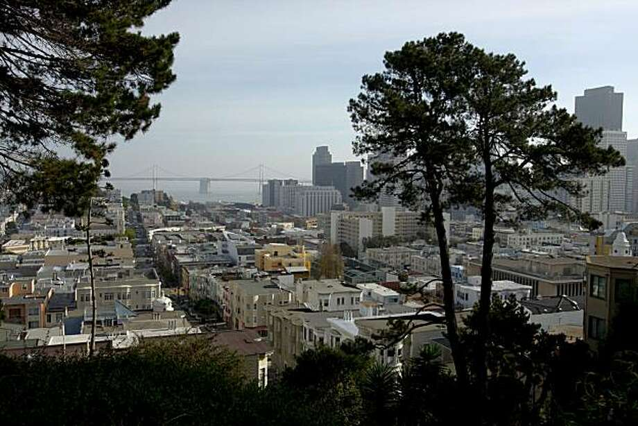Russian Hill hike where there are great views of the city this is on Vallejo between Mason and Taylor.  on Friday Dec 12,  2008 in San Francisco, Calif Photo: Kurt Rogers, The Chronicle