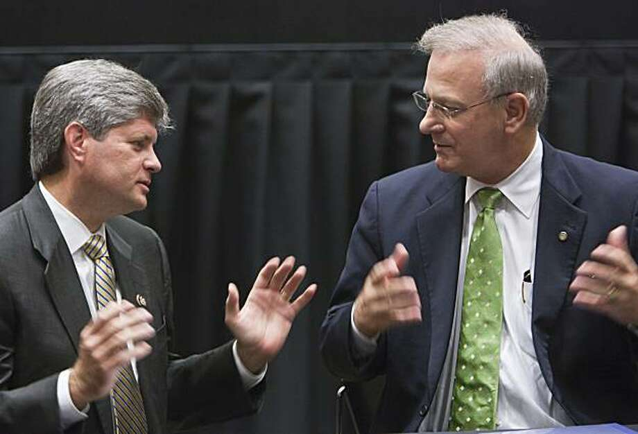 Dr. Thomas Hoenig, President of the Federal Reserve Bank of Kansas City, right, and Rep. Jeff Fortenberry, R-Neb., chat before a scheduled town hall meeting featuring Hoenig, which was organized by Rep. Fortenberry, in Lincoln, Neb., Friday, Aug. 13, 2010. Photo: Nati Harnik, AP
