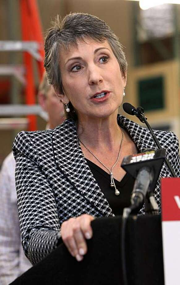 Republican U.S. Senate candidate Carly Fiorina gives a news conference in Sacramento, Calif., Thursday, June 17, 2010 saying she supports the $20 billion fund to compensate victims of the Gulf oil spill but had hard words for President Barack Obama's response.  Fiorina, who is trying to unseat Democrat Barbara Boxer of California, toured a electrical contractor's warehouse before talking with reporters about the need for less government regulation. Photo: Rich Pedroncelli, AP