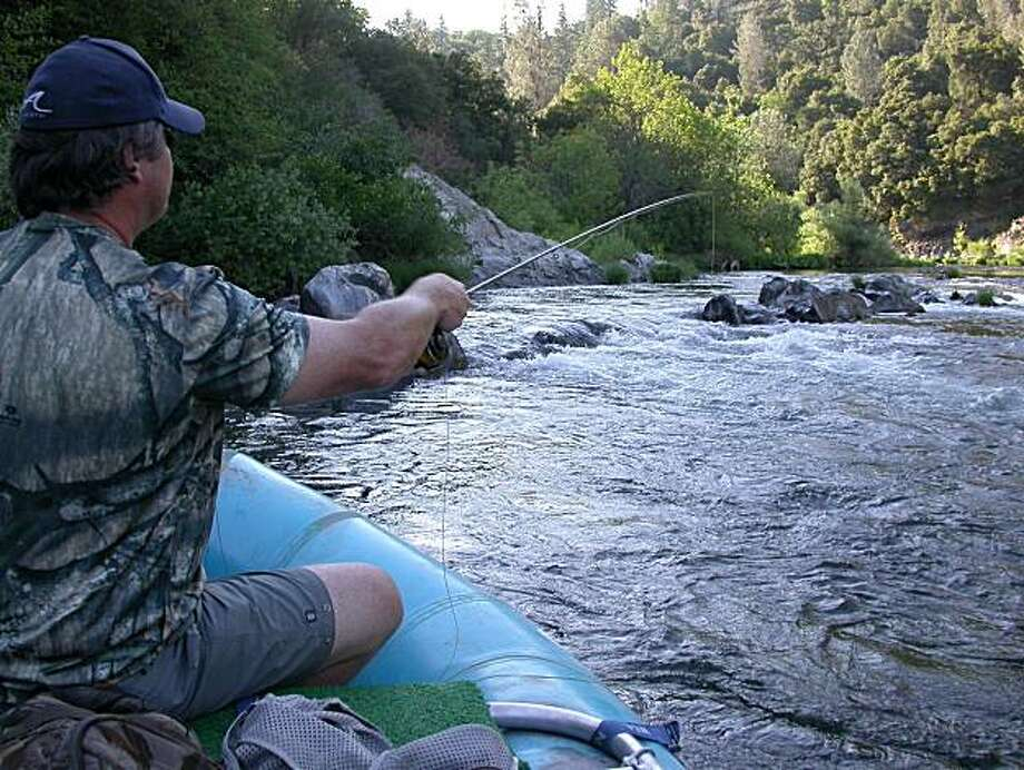 Paul Evans casts for trout in ideal trout water on Upper Sacramento River. Photo by Tom Stienstra Photo: Tom Stienstra, The Chronicle