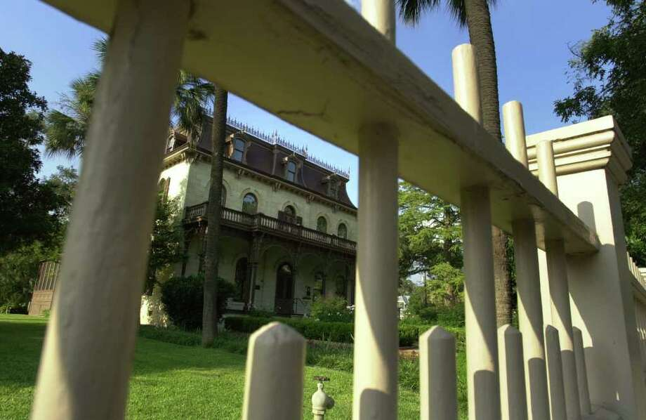 The King William area's Edward Steves Homestead Museum is one of the many charms of the neighborhood that makes it one of San Antonio's most romantic spots. Photo: ROBERT MCLEROY, SAN ANTONIO EXPRESS-NEWS / SAN ANTONIO EXPRESS-NEWS