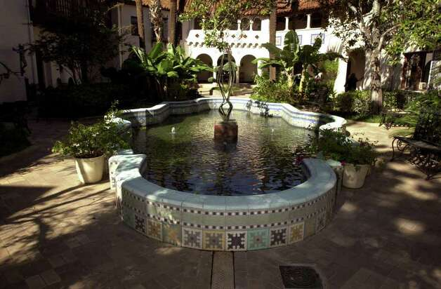 The lush courtyard at the McNay Art Museum. Photo: KEVIN GEIL, SAN ANTONIO EXPRESS-NEWS / SAN ANTONIO EXPRESS-NEWS