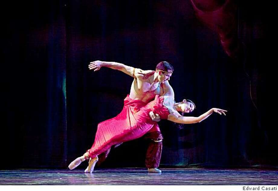 Oakland Ballet Company veterans, Joral Schmalle and Joy Gim in Arabian. Joy Gim is playing her original role when she was with the company. Both she and Joral are presently the Company Regisseurs. Photo: Edward Casati