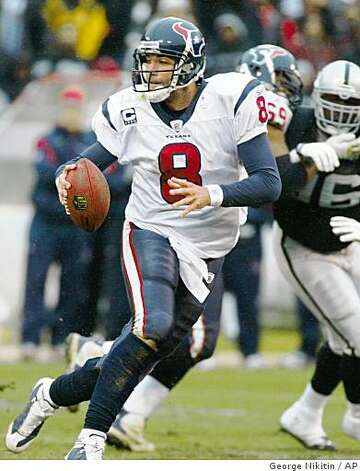 Houston Texans' quarterback Matt Schaub (8) runs with the ball against the Oakland Raiders in the first half of a game, Sunday, Dec. 21, 2008, in Oakland. Photo: George Nikitin, AP
