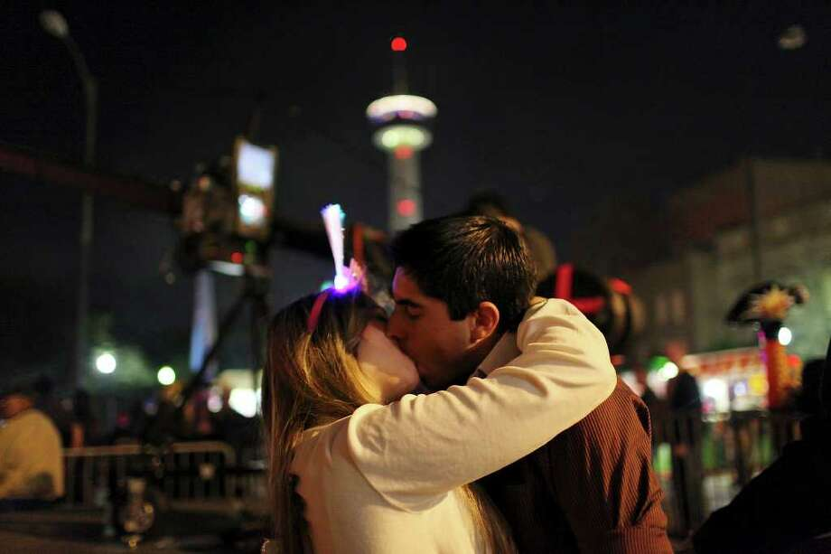 Would you believe San Antonio is one of the most romantic cities in the U.S.? This couple does.Whether it's riding in a horse-drawn carriage down Houston Street, eating a candlelit dinner at an intimate restaurant on the River Walk or having a cocktail atop the Tower of the America's, San Antonians know how to spice up a date. Click ahead for some ideas that will keep you out of the dog house this Valentine's Day.  Photo: EDWARD A. ORNELAS, SAN ANTONIO EXPRESS-NEWS / SAN ANTONIO EXPRESS-NEWS (NFS)