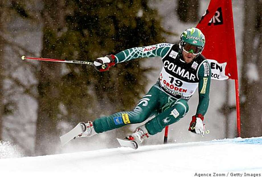 VAL GARDENA-GROEDEN, ITALY - DECEMBER 20: (FRANCE OUT).  Bode Miller of USA skis during the Men's Downhill FIS World Cup event on December 20, 2008 in Val Gardena-Groeden, Italy.  (Photo by Agence Zoom/Getty Images) Photo: Agence Zoom, Getty Images