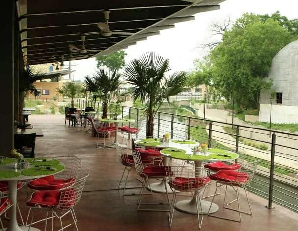 Cafe des Artistes at the San Antonio Museum of Art with views of the San Antonio River. Photo: HELEN L. MONTOYA, SAN ANTONIO EXPRESS-NEWS / SAN ANTONIO EXPRESS-NEWS