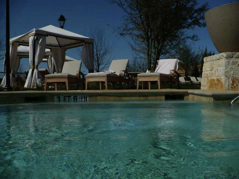 Between treatments, guests to the Lantana Spa at the J.W. Marriott San Antonio Hill Country Resort & Spa can relax in the private, heated spa pool. Photo: JENNIFER HILLER, SAN ANTONIO EXPRESS-NEWS / JHILLER@EXPRESS-NEWS.NET
