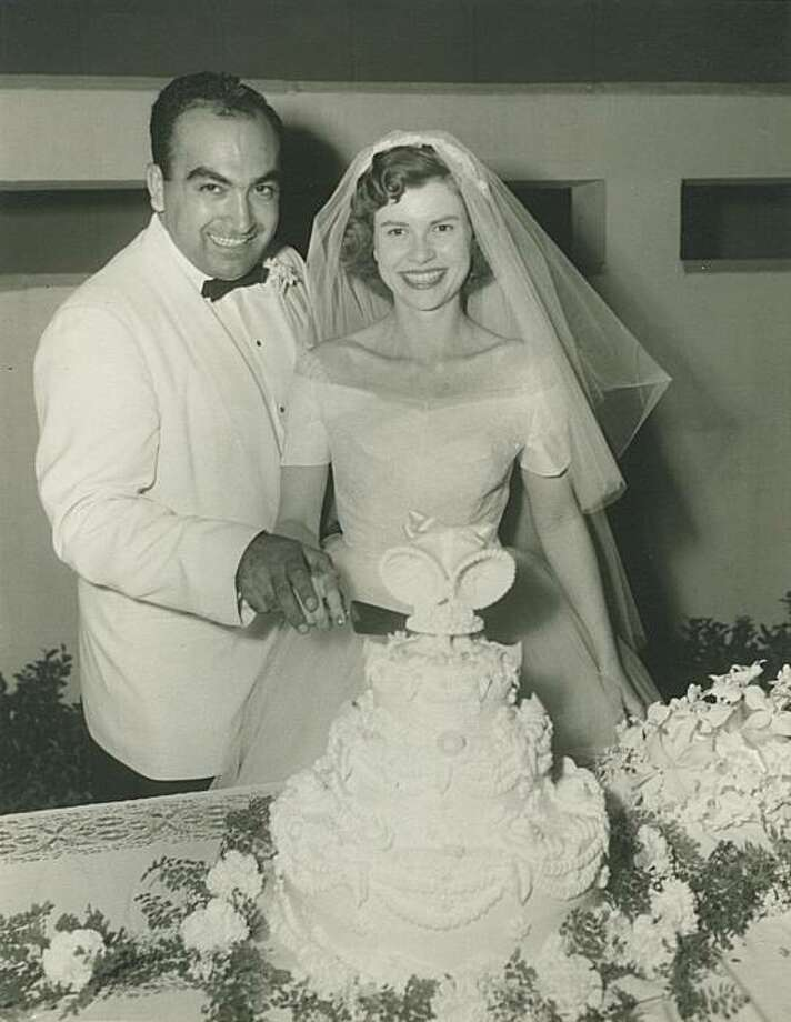 Lotfi Mansouri (l.) and his wife Midge on their wedding day in 1954 Photo: Northeastern University Press
