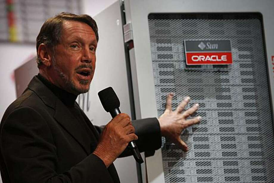 Oracle CEO Larry Ellison introduces the latest version of exadata at Oracle OpenWorld, in San Francisco Calif., on Wednesday, October 14, 2009. Photo: Liz Hafalia, The Chronicle