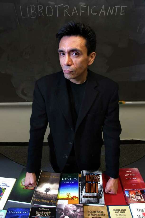 When Tony Diaz heard that Tucson schools were forced to yank Hispanic titles from classrooms, he organized a protest caravan to make the books available in Arizona. Photo: Cody Duty / © 2011 Houston Chronicle